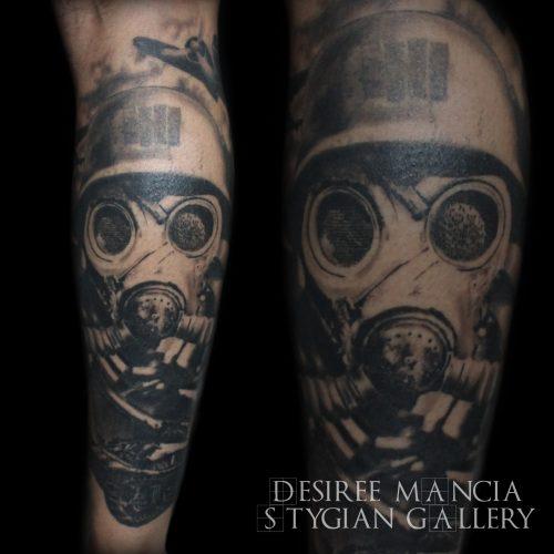 gasmask-tank-tattoo-blackandgrey-plane-desireemancia
