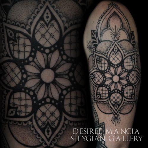mandala-upperarm-dotwork-tattoo-desireemancia